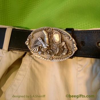 Belt buckle on trouser-USE-watermarked