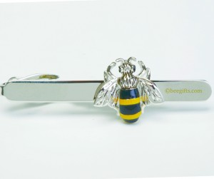 100 1376lt 2 Bee Tie Bar 300x251 Bumble Bee Tie Bar
