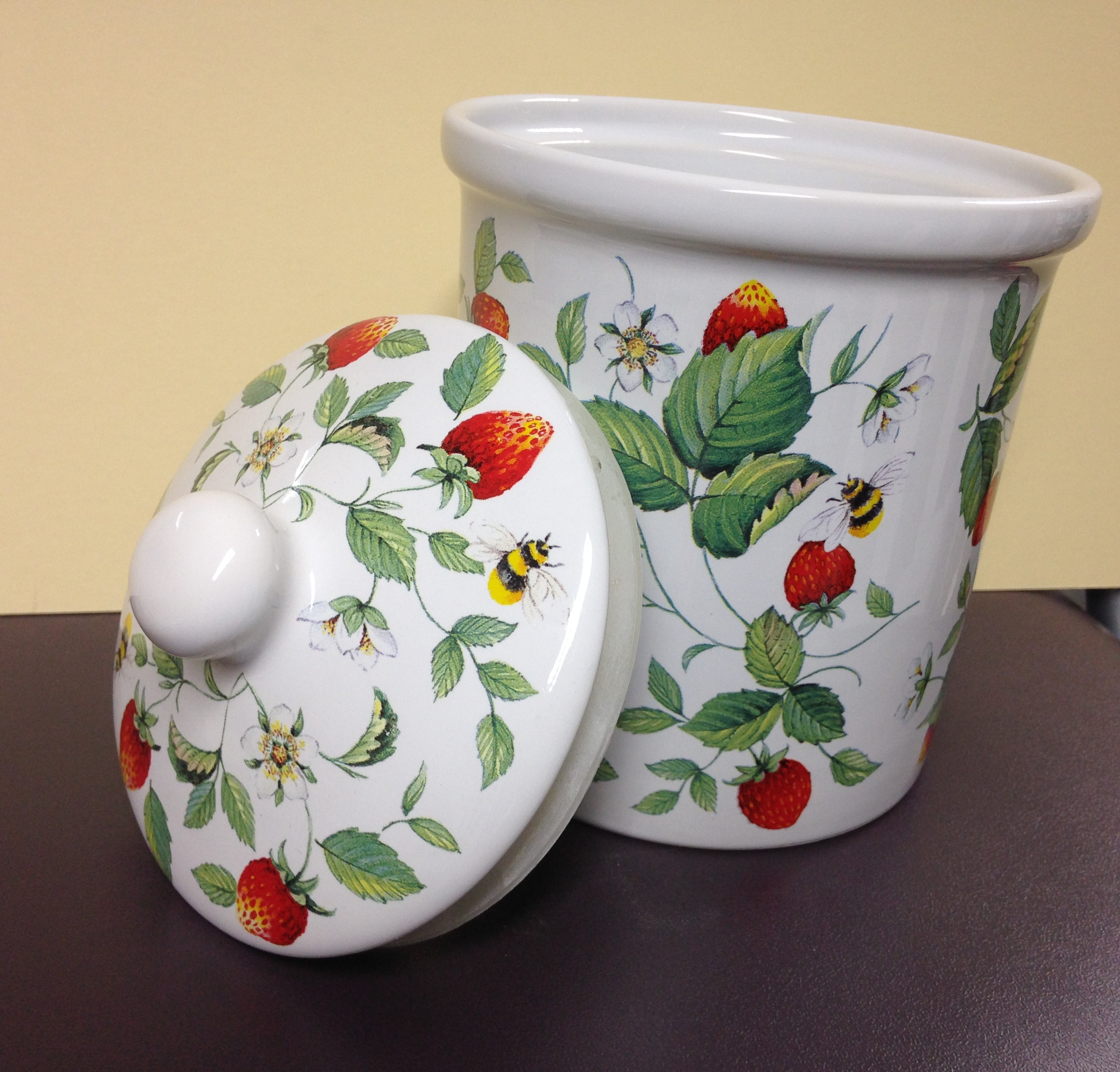 Storage jar - strawberry
